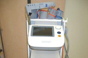 血管年齢・脈波測定器